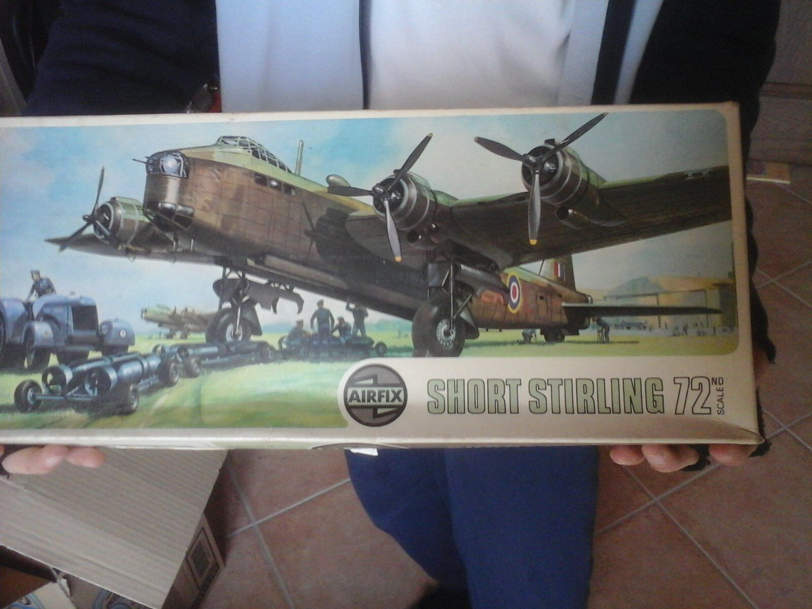 SHORT STIRLING  RAF BOMBER 1 72 SCALE AIRFIX MODEL
