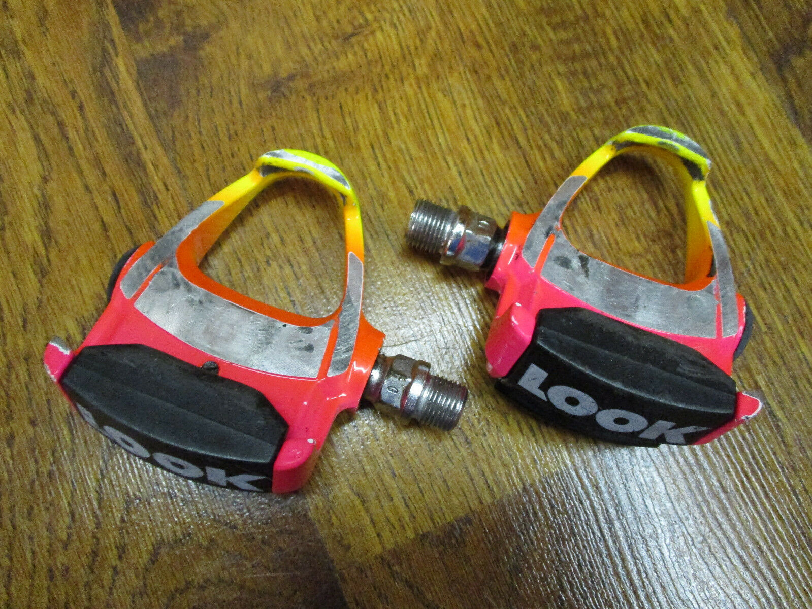 VINTAGE LOOK CARBON ARC CLIPLESS PEDALS RAINBOW FADE - PINK orange YELLOW