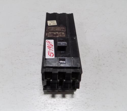 SQUARE D 3 POLE 40AMP CIRCUIT BREAKER Q1B340VH