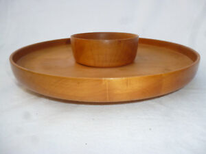 TASMANIAN-HUON-PINE-TURNED-25cm-SERVING-DISH-with-FITTED-BOWL-good-condition