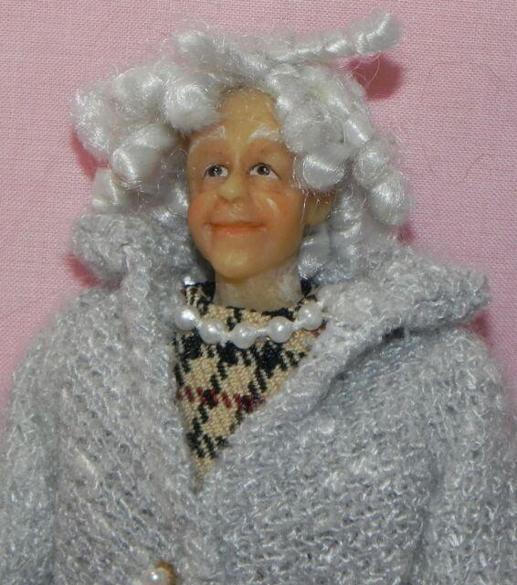 Dollhouse Miniature Doll Grandma Nana Blanche   Vinyl SD0036 1:12 Scale