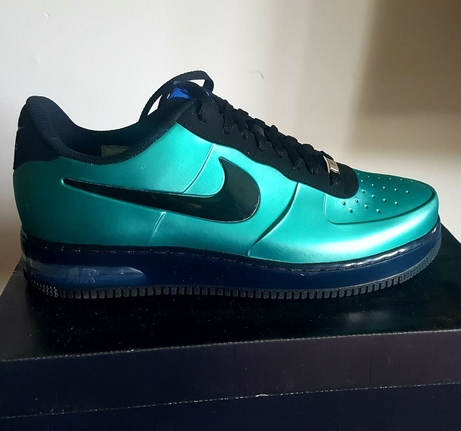 NIKE AIR FORCE 1 FOAMPOSITE PRO LOW   NEW GREEN   BLACK   EXCLUSIVELY RARE