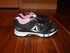1e7e07693f73 NEW Womens REEBOK AHARY RUNNER Coal Gray Pink Athletic Running ...