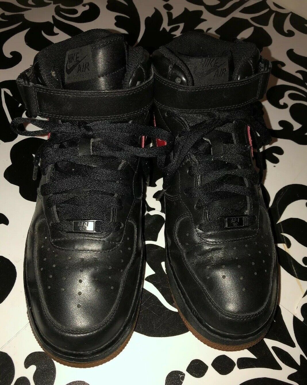 "RARE Nike Air Force 1 82"" Hightop Black w  Red, Gum Sole Size 9"