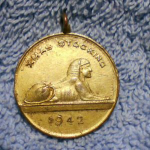 D498-1942-WWII-XMAS-STOCKING-GOOD-LUCK-MEDAL-FROM-YOUR-FRIENDS-IN-EGYPT-SPHINX
