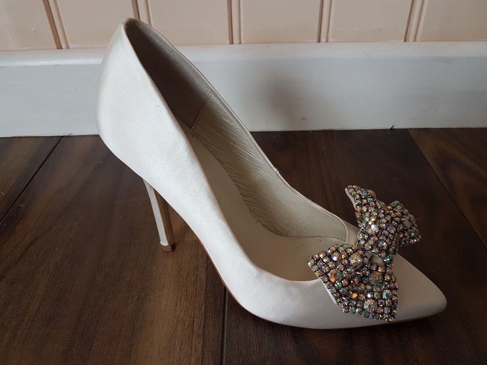 Ivory Satin Wedding Bridal Court shoes Diamonte Bow Size  37 UK4 by Menbur