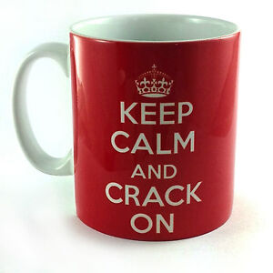 NEW-KEEP-CALM-AND-CRACK-ON-CARRY-ON-GIFT-CUP-MUG-COOL-BRITANNIA-RETRO-NOVELTY