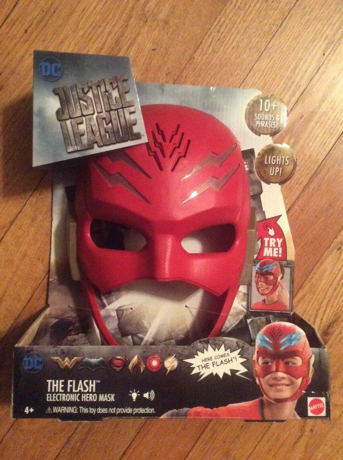 "NEW, MATTEL, DC COMICS, JUSTICE LEAGUE, ""THE FLASH"" ELECTRONIC HERO MASK"