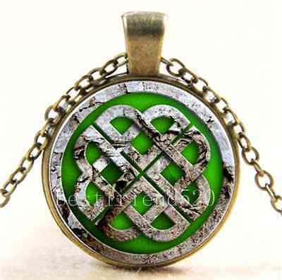 Vintage Celtic Green Knot Cabochon Glass Bronze Chain Pendant Necklace