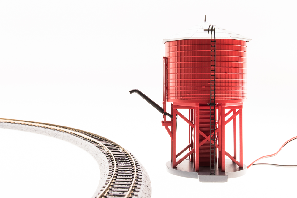 N Scale - BROADWAY LIMITED 6130 UNLETTErosso Water Tower Motorized with Sound