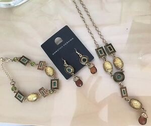 Dorothy Perkins Necklace Earrings Necklace Jewellery Set Greens Gold  New - <span itemprop=availableAtOrFrom>London, London, United Kingdom</span> - Dorothy Perkins Necklace Earrings Necklace Jewellery Set Greens Gold  New - London, London, United Kingdom