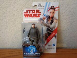 Rey-Island-Journey-Star-Wars-The-Last-Jedi-3-75-034-Action-FIgure-In-Hand