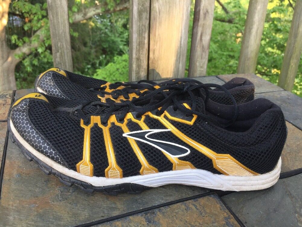 new photos c73b0 50b67 ... BROOKS Mach 9 Track Track Track Field Running Football Cleats Black  Gold Mens Shoes Sz 11 ...