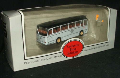EFE Exclusive First Editions Bus 12201 Black & White Harrington Grenadier Coach