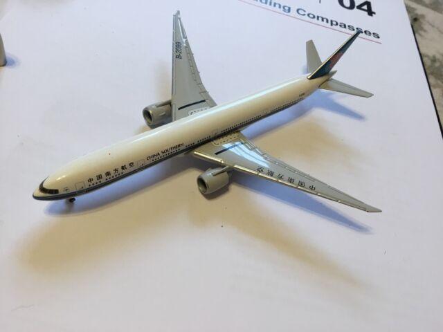 BVB   531658 Modellairport500 Herpa Wings 1:500 Boeing 777-300ER  KLM Asia PH
