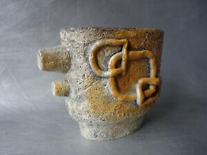Vase sculpture, moderniste brutaliste en céramique émaillée signé