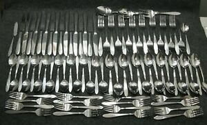 Oneida-Taylor-Flatware-Set-of-85-Pieces-Service-for-16-Plus-Serving-Spoons-Fork