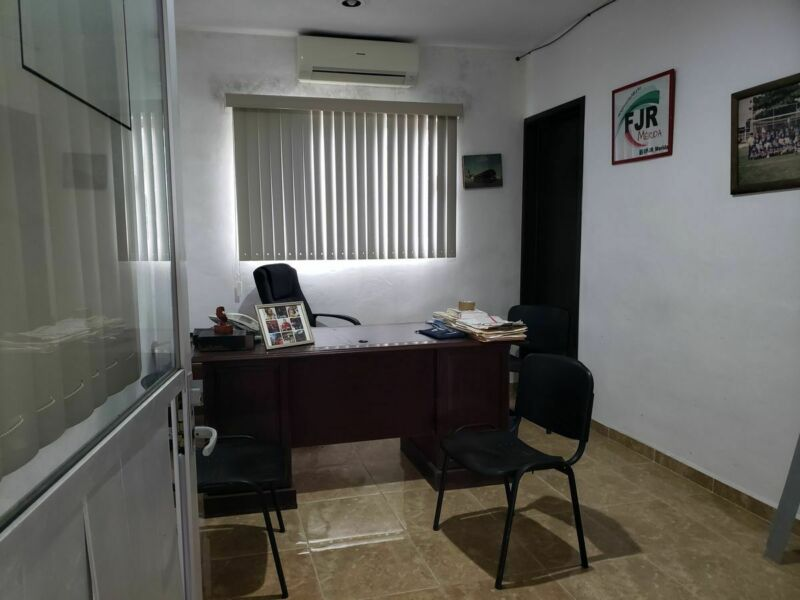 Oficinas en Venta con Amplio Estacionamiento cerca de Av. Itzáes