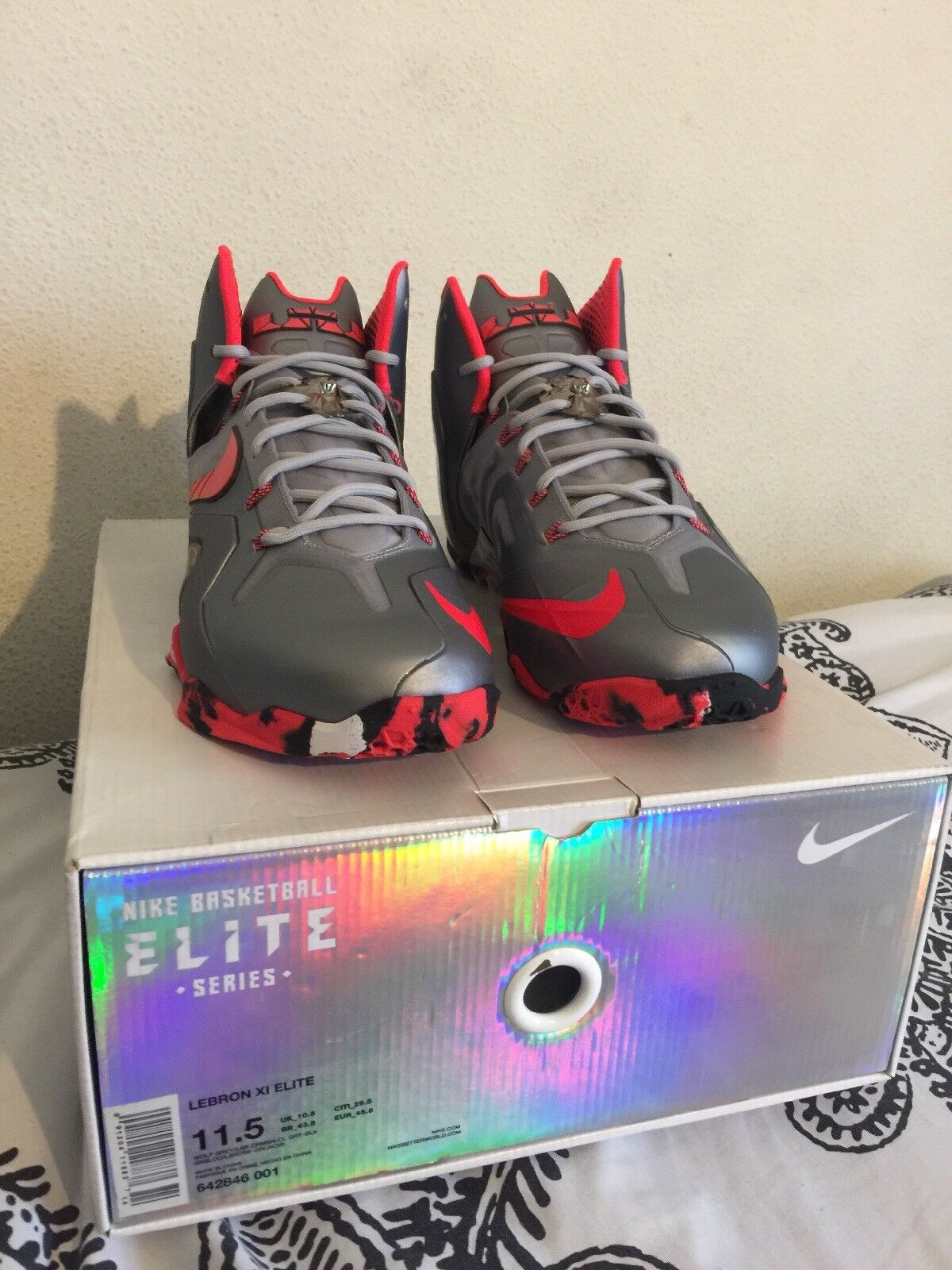 huge discount 205dd 54b58 ... Nike Lebron XI Elite Shoes Team Shoes Elite Wolf Grey Laser Crimson  Grey 642846 001 NEW ...