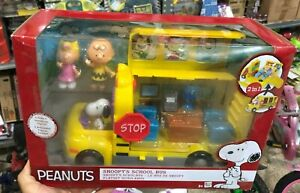 Imc toys Peanuts Spielset Schulbus Schule Bus Mit Snoopy Charlie Brown Sally