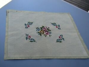 Vintage-Beige-Wool-Floral-Needlepoint-Canvas-98-Finished-22-034-x-15-034