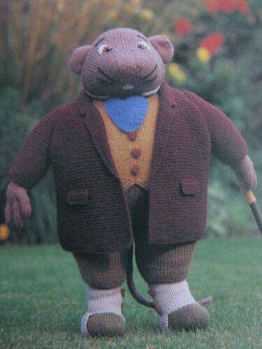 WIND IN THE WILLOWS Knitting Pattern Book-Toys /& Sweaters Mole Toad Rat /& Badger