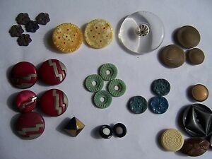 Vintage Antique Lot of Buttons Bakelite and Other Buttons Some Sets