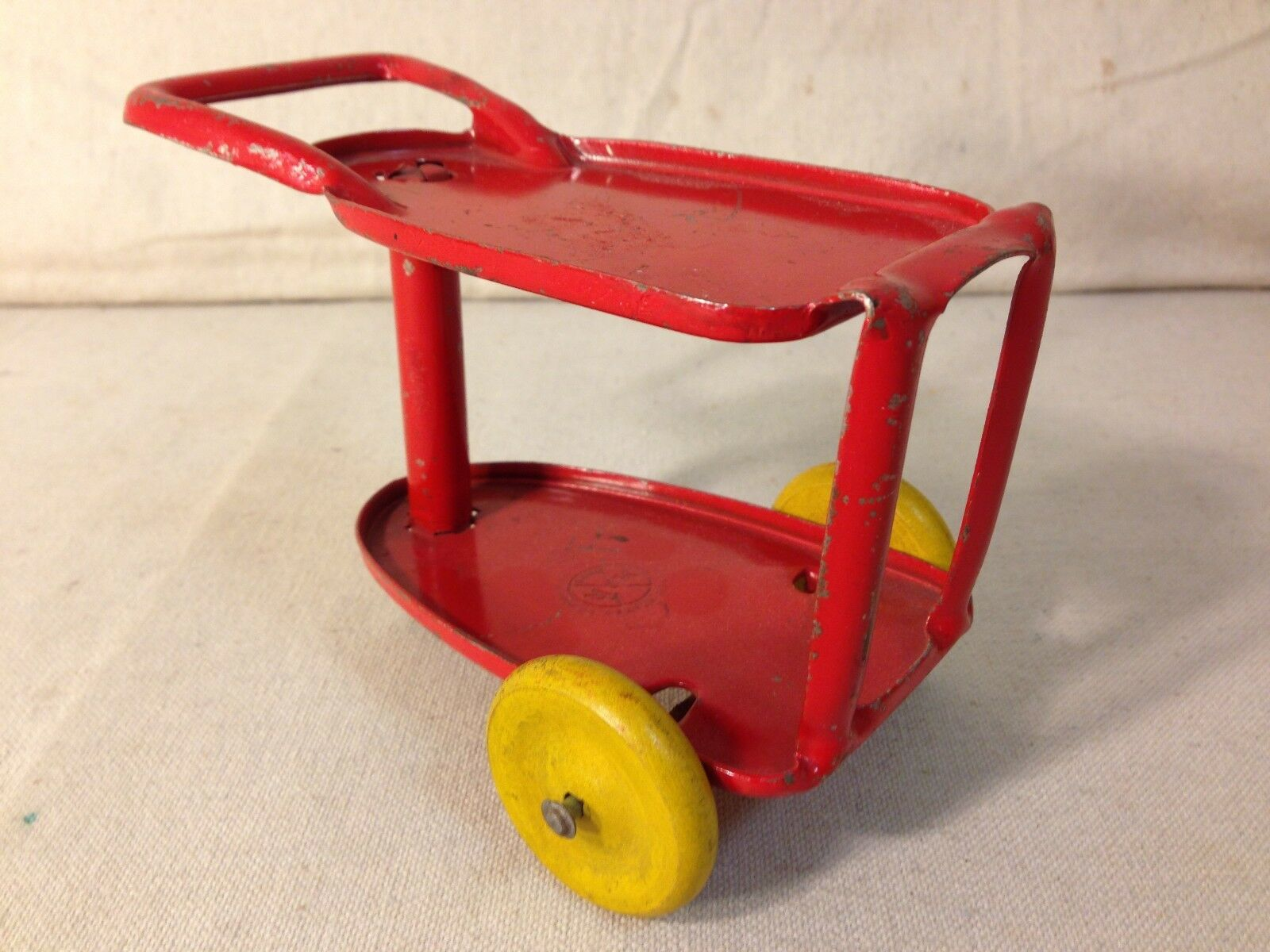 VINTAGE MARX DIE CAST rouge TOY CART TABLE 1930'S-40'S