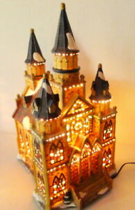 Grandeur-Noel-Cathedral-Victorian-Christmas-Village-2002-electric-ambient-light