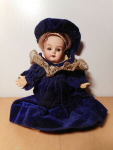 Petite-poupee-ancienne-mignonette-biscuit-tete-porcelaine-Simon-Halbig-old-doll