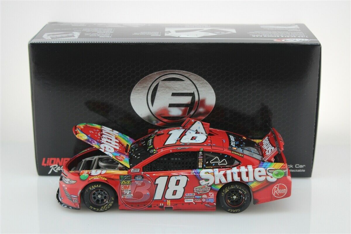 KYLE busCH  18 2019 SKITTLES PHOENIX RACED WIN ELITE 1 24 SCALE NEW FREE SHIP