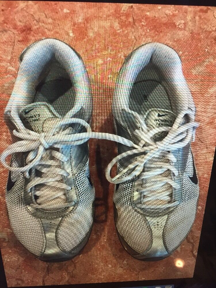 Women's White TRAINING SILVER And Teal NIKE TRAINING White RUNNING SNEAKERS SIZE 7.5 2550e3
