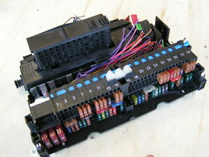 bmw e46 323i 325i 328i 330i front fuse relay glove box panel power rh ebay com 100 Amp Fuse Box 100 Amp Fuse Box