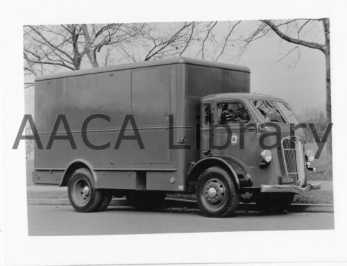 1937 Autocar Model UD Bell Telephone Truck, Factory Photograph (Ref. # 24443)