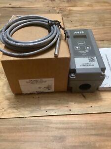 Johnson Controls A419ABC-1C Single Stage Temp. Controller W/Display Heat/Cool.