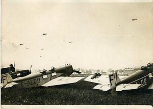 """""""ARRIVEE DU TOUR DE FRANCE DES AVIONS 1931"""" Photo originale G. DEVRED (Agce ROL) 7KSl7I1V-07183139-857394082"""