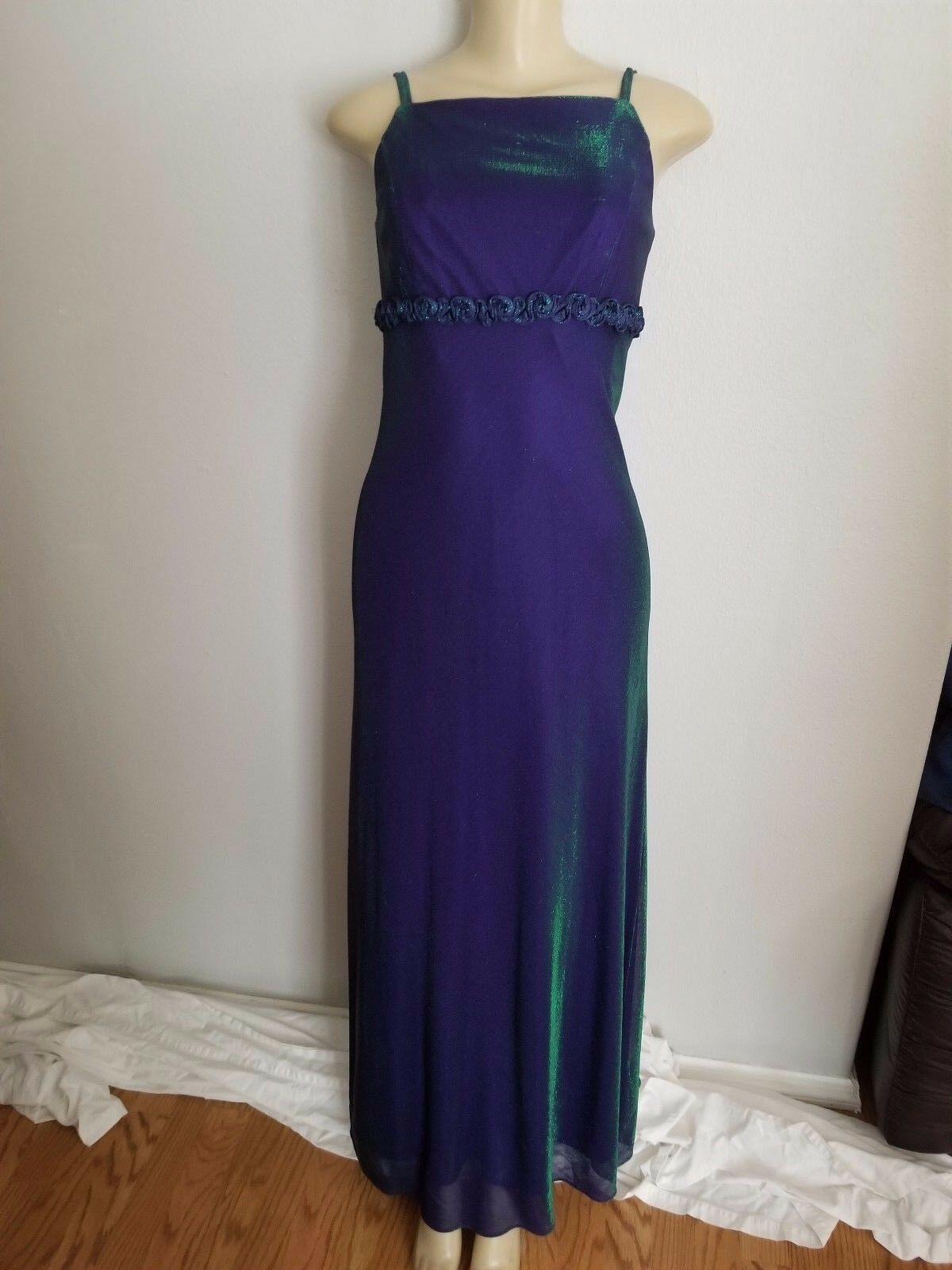 NWT Blondie Nites formal gown Purple/green irredescent color size 5/6 (G0215)