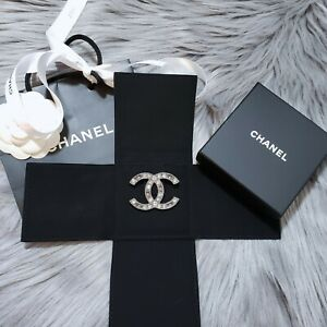 New-2013-Authentic-CHANEL-Classic-CC-Ruthenium-Crystal-Large-Pin-Brooch