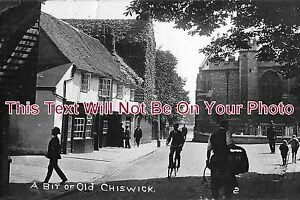 LO-102-A-Bit-Of-Old-Chiswick-London-6x4-Photo