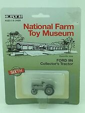 1/64 ERTL FORD 9N 1995 NATIONAL FARM TOY MUSEUM TRACTOR