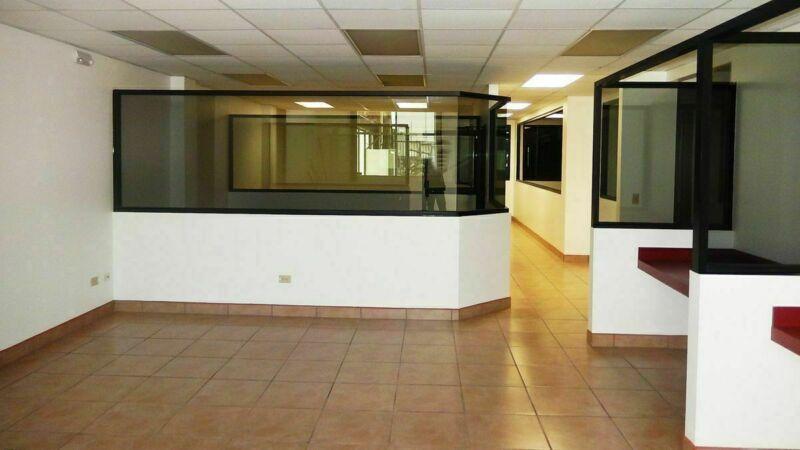 En Renta edificio de oficinas en Mineral de Santa Fe