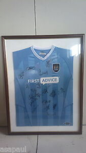 Framed-and-Signed-Manchester-City-football-Shirt-MCFC-MAN-CITY-MANCHESTER-CITY