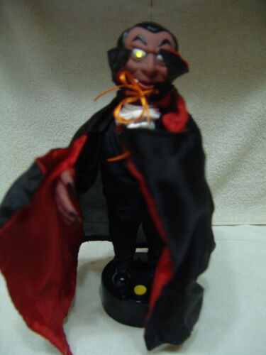 OLDER MOTION / LIGHT/SOUND DRACULA / VAMPIRE WORKING CONDITION