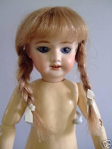 Perücke in Haar Natürlich für   Puppe Alt-Größe Blauette 17cm Matten