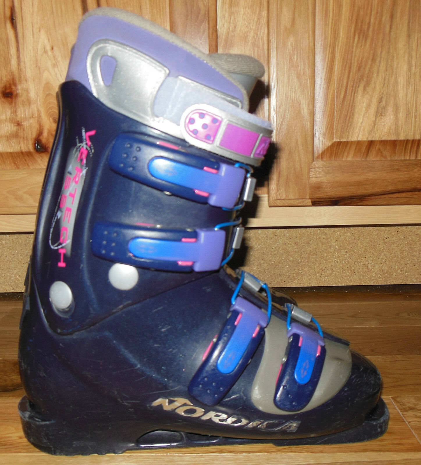 NORDICA greenECH 55 DOWNHILL SKI BOOTS WOMENS 7.5, MONDO 24, 280mm sole