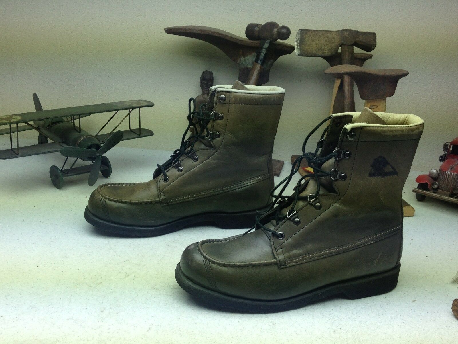VINTAGE GREEN ROCKY DISTRESSED MADE IN USA LACE UP LEATHER PACKER BOOTS 10 M