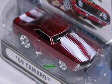 Muscle Machines 1969 Chevrolet Camaro Z/28 69 Chevy Hot Rod #03-25 1:64 Scale