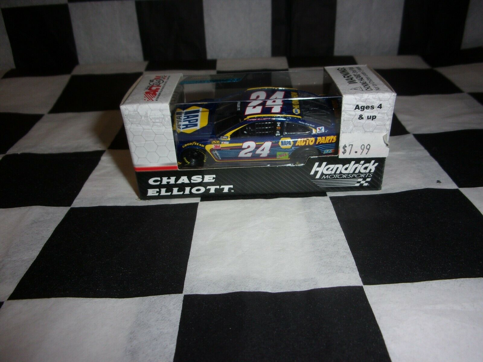 VERY RARE Chase Elliott 2017 NAPA Darlington #24 Chevy SS 1//64 NASCAR CUP