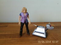 "Doctor Who 6"" Action Figure Series - Rose Tyler in Purple Top & Clean K-9"