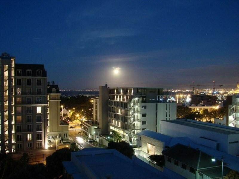 Furnished Studio in Green Point available monthly